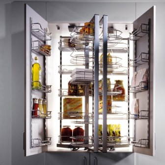 armoires de cuisine, garde manger assez gros un modèle de luxe