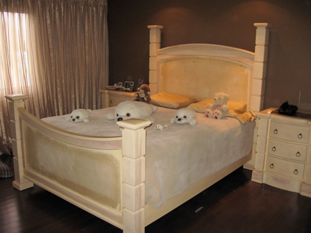 set de chambre, lit merisier massif, bureau, commode, ébénisterie