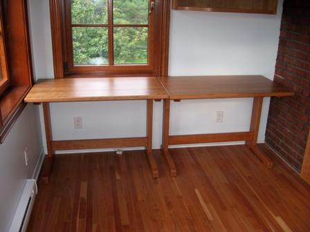 table de bois  ou table de travail en cerisier