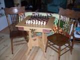 table d'échec en chêne style ancien