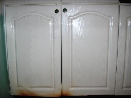comment reparer une porte d'armoire