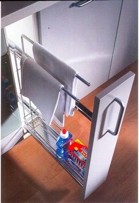 accesoires de cuisine, pull out pour les produits de nettoyages pour vos armoires de cuisine