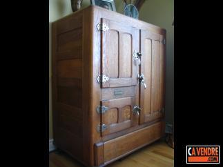 Une armoire a glace glaci re meuble personne miroir for Armoire une personne