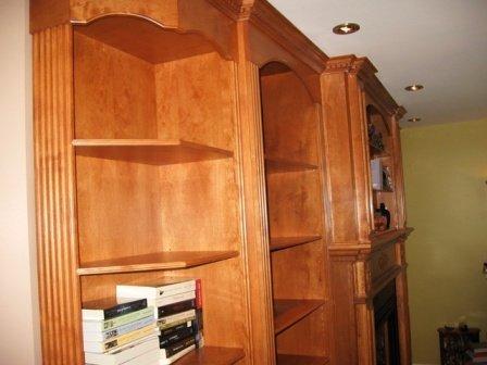 Bibliothèque en bois massif et en placage sur mesure , ébénisterie