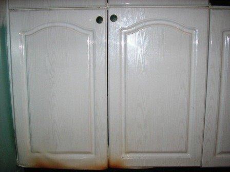 armoires de cuisine enthermo plastique qui ont chauffé